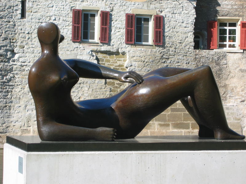 Sculpture of Henry Moore