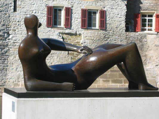 Sculpture of Henry Moore