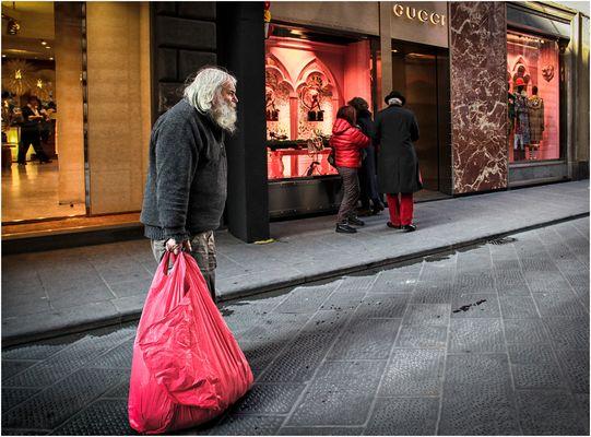 Se il Natale sarà solo dei ricchi, Babbo Natale si farà povero