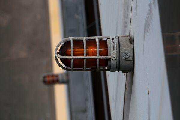 señalización luminosa en rojo
