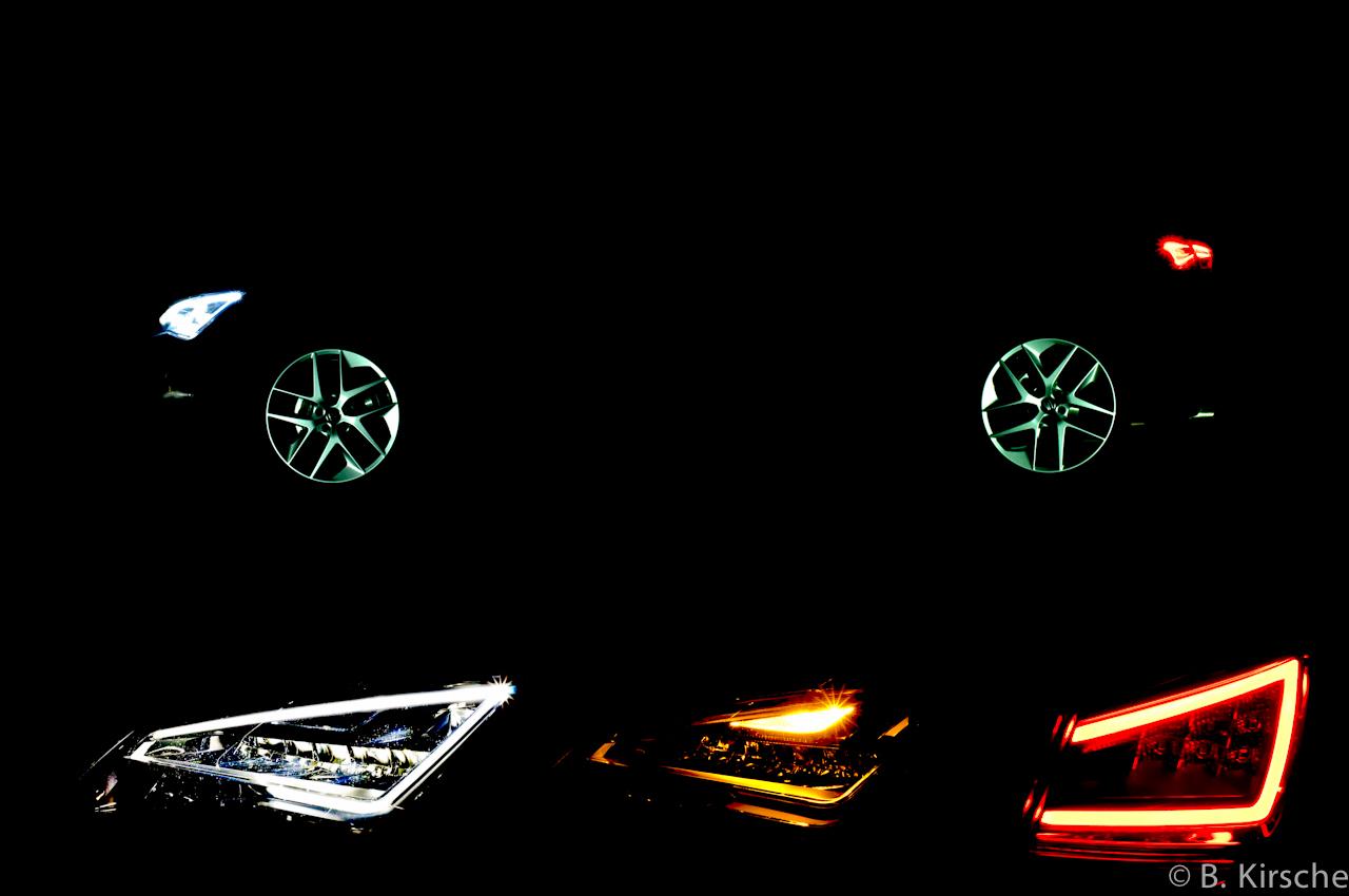 Seat Leon FR at night