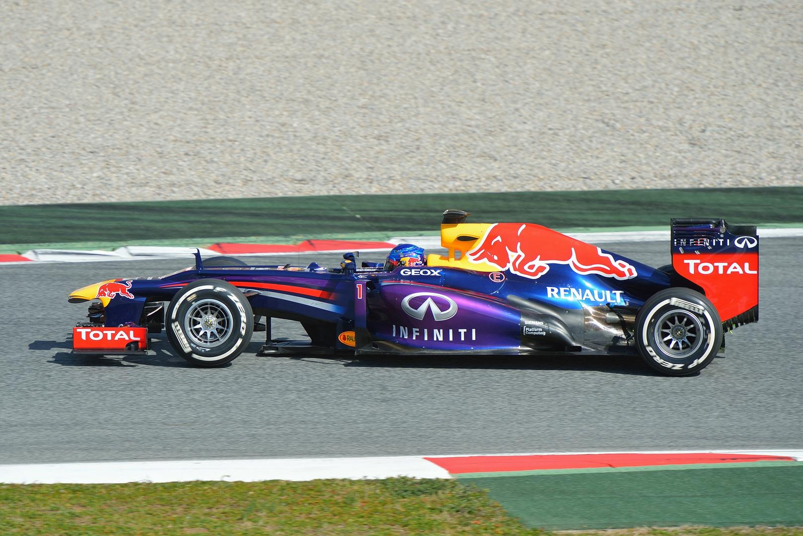 Sebastian Vettel Red Bull Racing RB9 2013