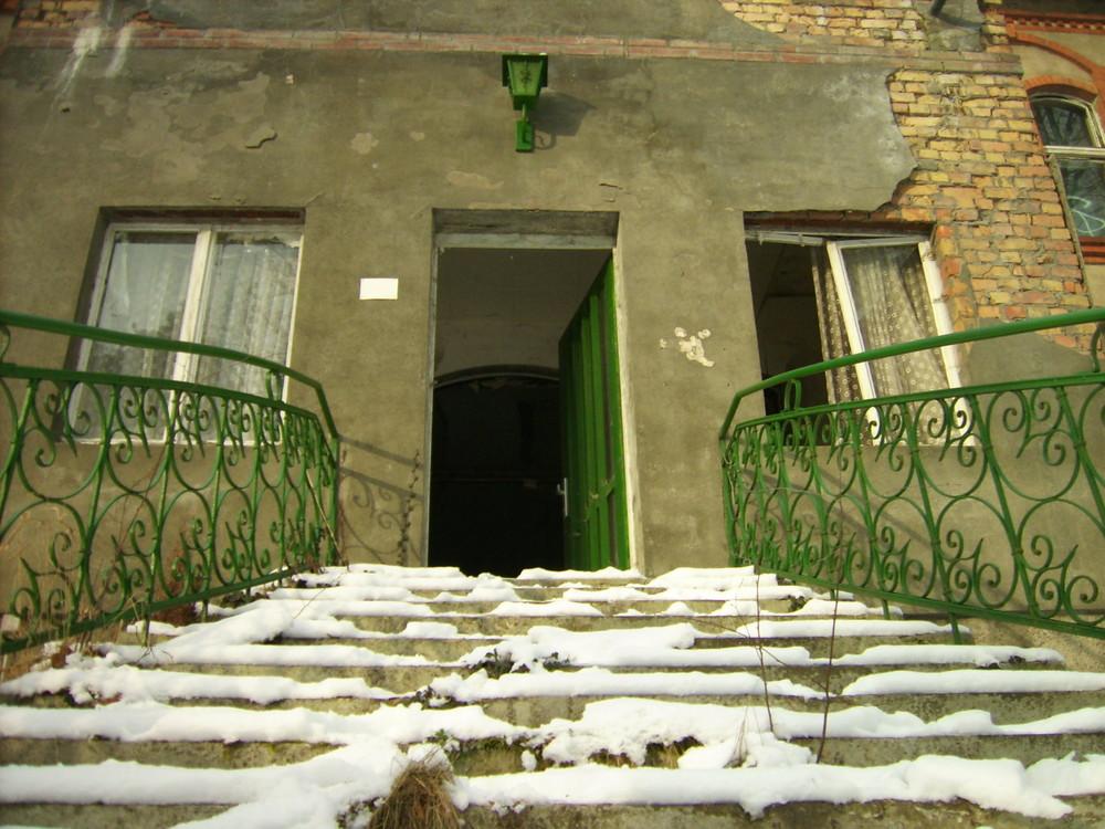 Secrets behind the green door