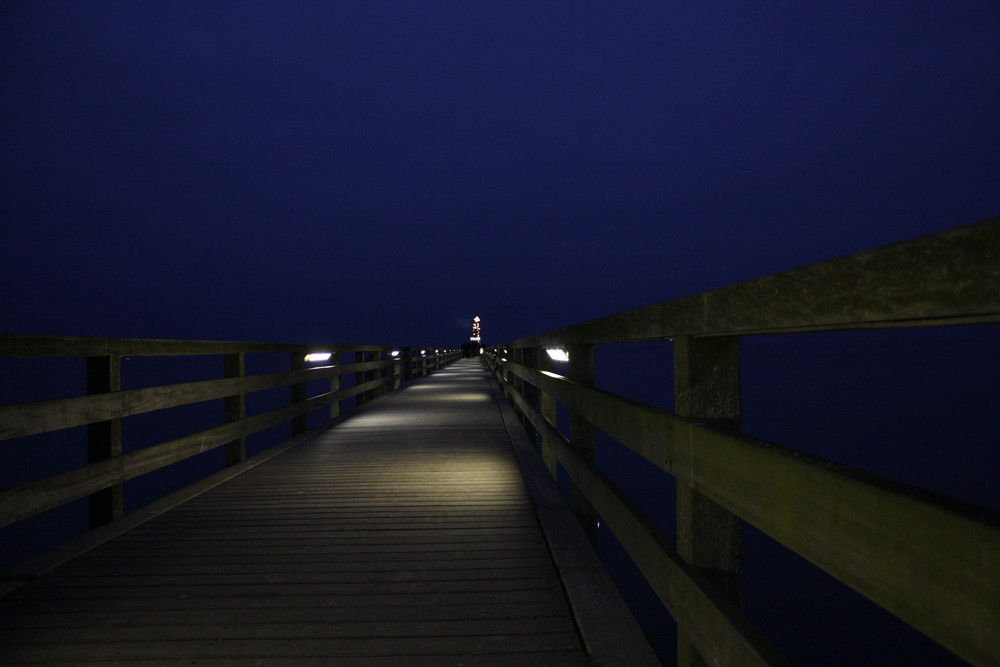 Seebrücke bei Nachte