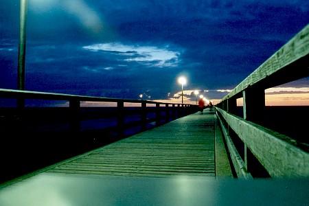 Seebrücke in Wustrow (Fischland) in einer warmen August-Nacht 2004