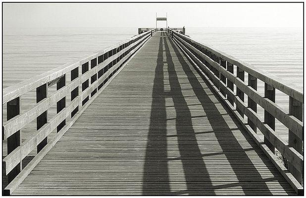 Seebrücke zum Horizont