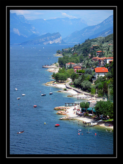 Seelandschaft in Italien