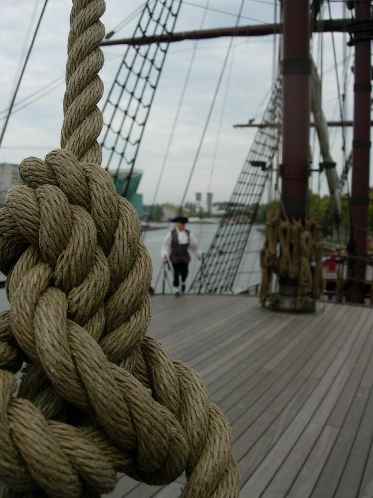 Seemannsknoten auf einem Museumsschiff in Amsterdam