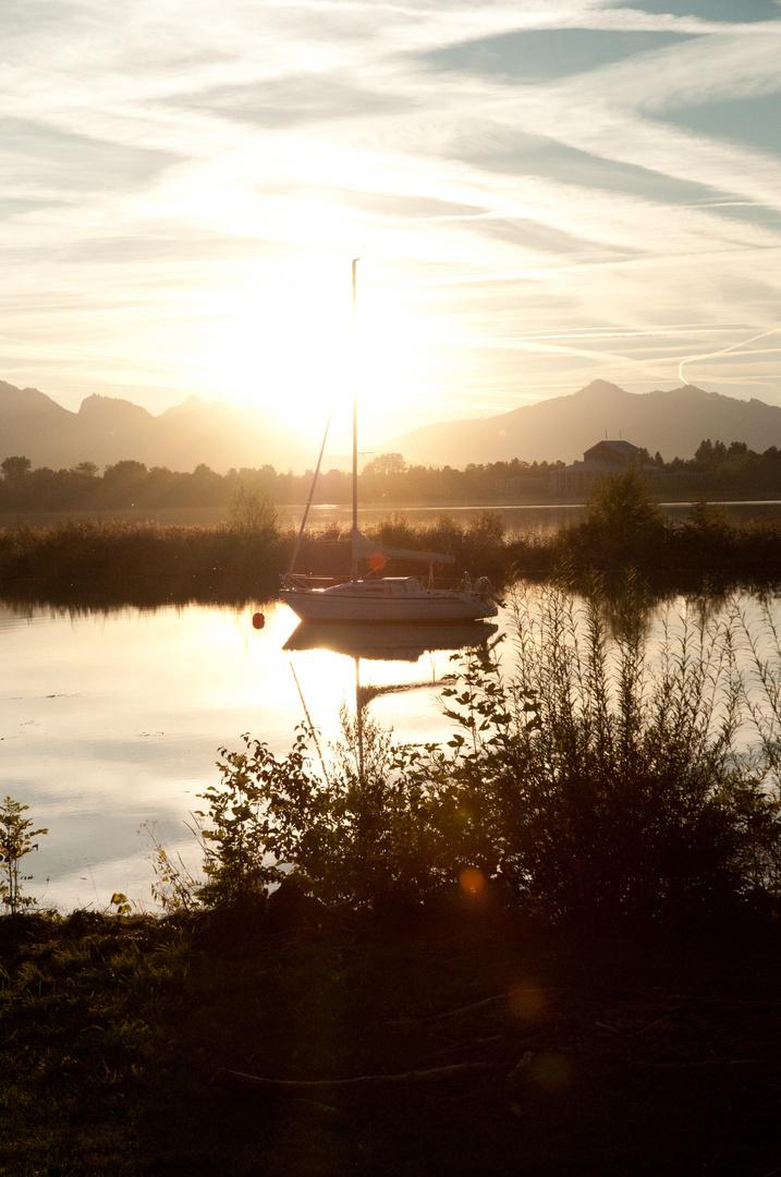 Segelboot in der Sonne