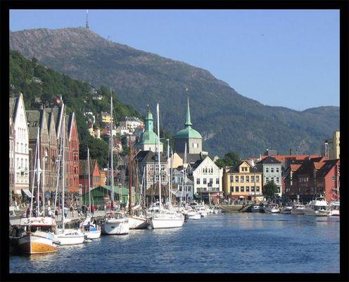 Segelboote in Bryggen....