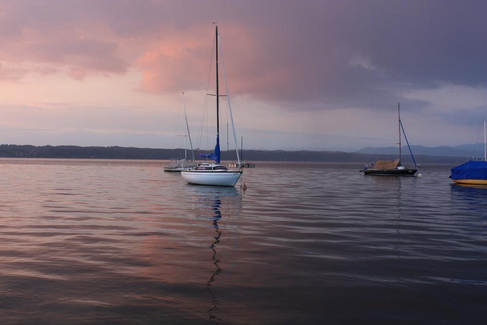 Segelschiff in der Abenddämerung