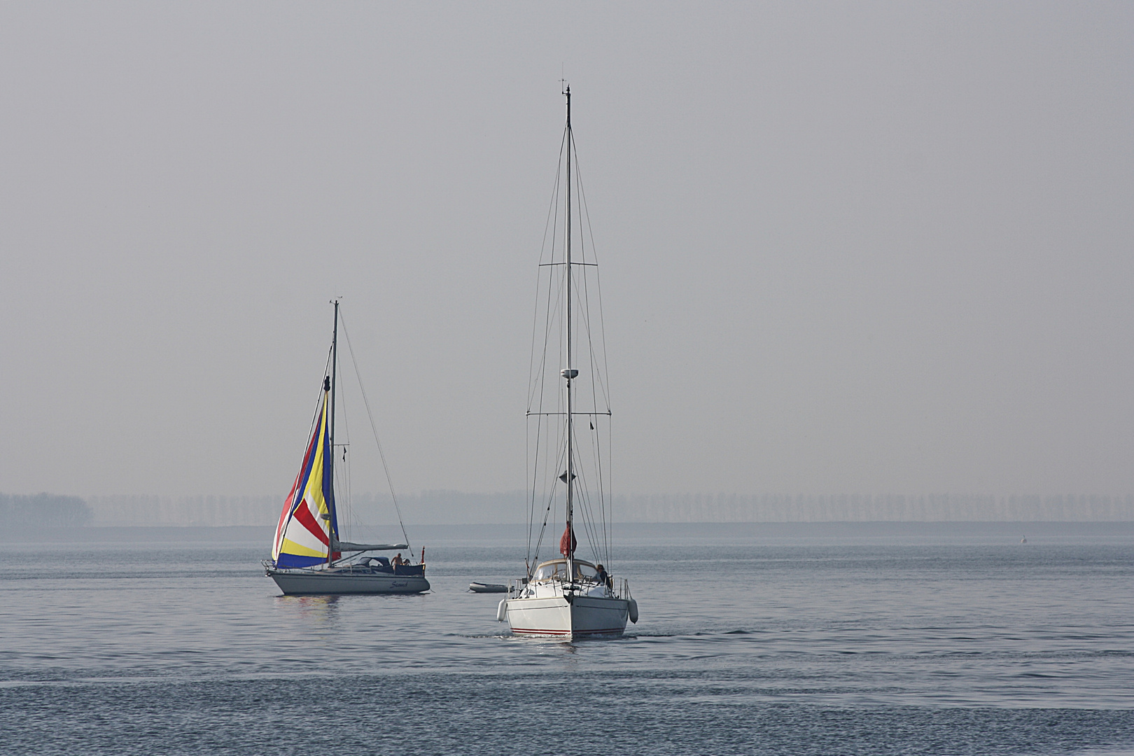 Segelschiffe bei Hellevoetslouis