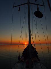 Segelyacht im Sonnenuntergang III