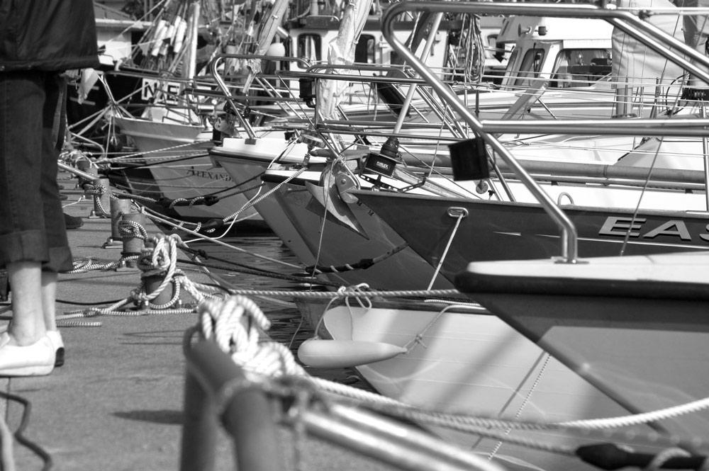 Segelyachten im Hafen Niendorf / O.
