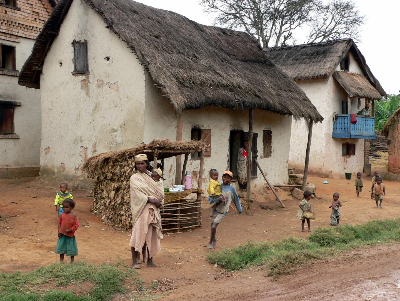sehr arme menschen foto bild africa madagascar. Black Bedroom Furniture Sets. Home Design Ideas