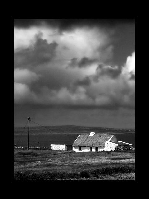 ...seht, der Wind treibt Regen über Land