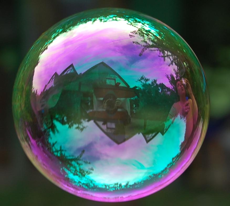 Seifenblase foto bild abstraktes farben knallebunt for Seifenblasen auf englisch