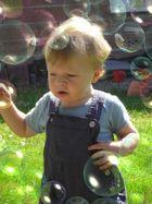 Seifenblasen-Akrobatik
