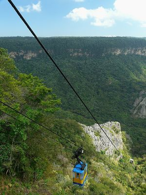 Seilbahn in Brasiliens kleinstem Nationalpark: Ubajara.