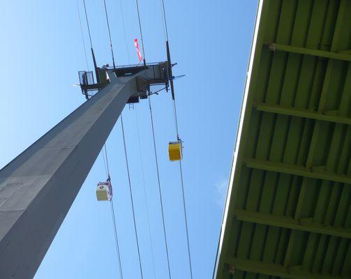 Seilbahn und Zoobrücke in Köln