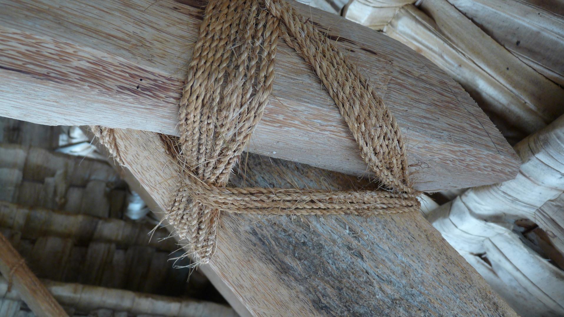 Seilverwendung beim Hausbau in der Südsee