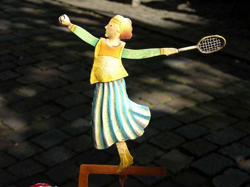 Seit wann spielt man im Schnoorviertel Tennis ?