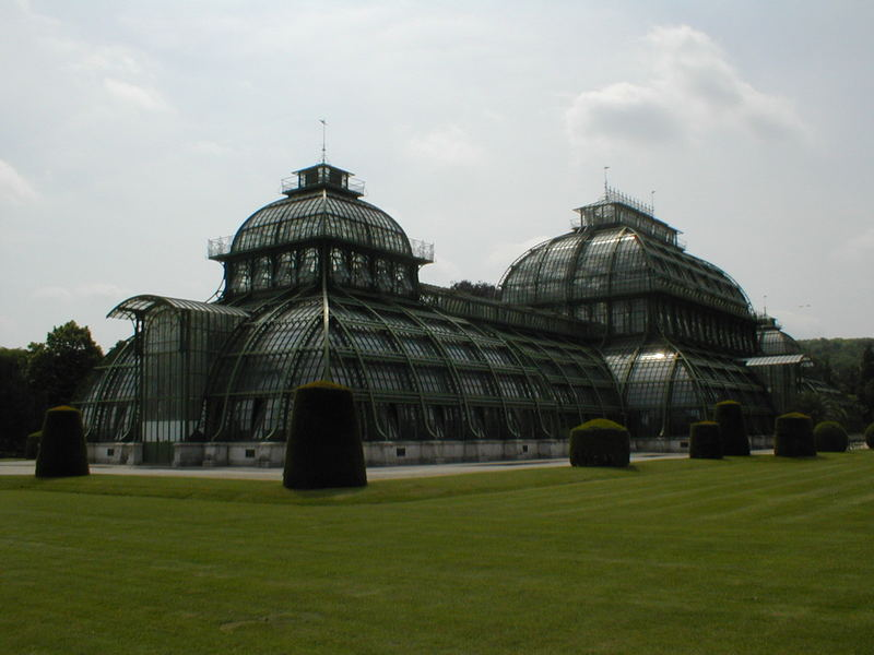 Seitenansicht Palmenhaus Wien...
