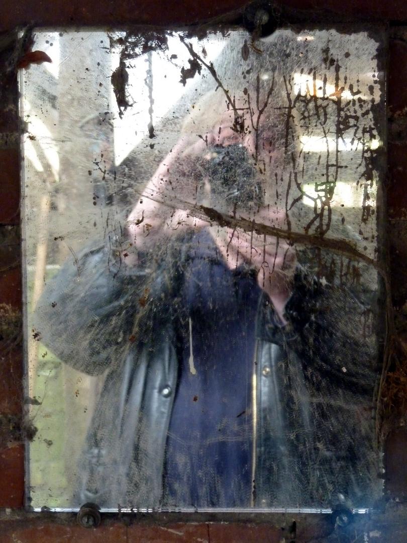 Selbst im alten Spiegel