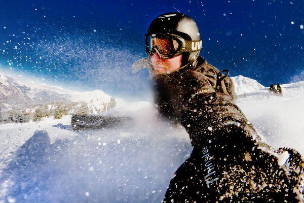 Selbstportrait mit Snowboard