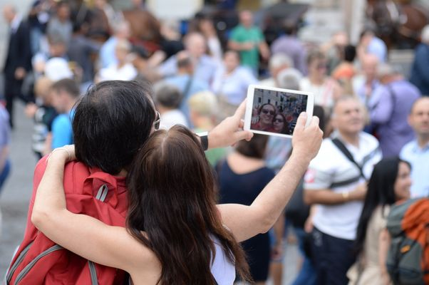 Selfie in Piazza di Spagna ( Rome)