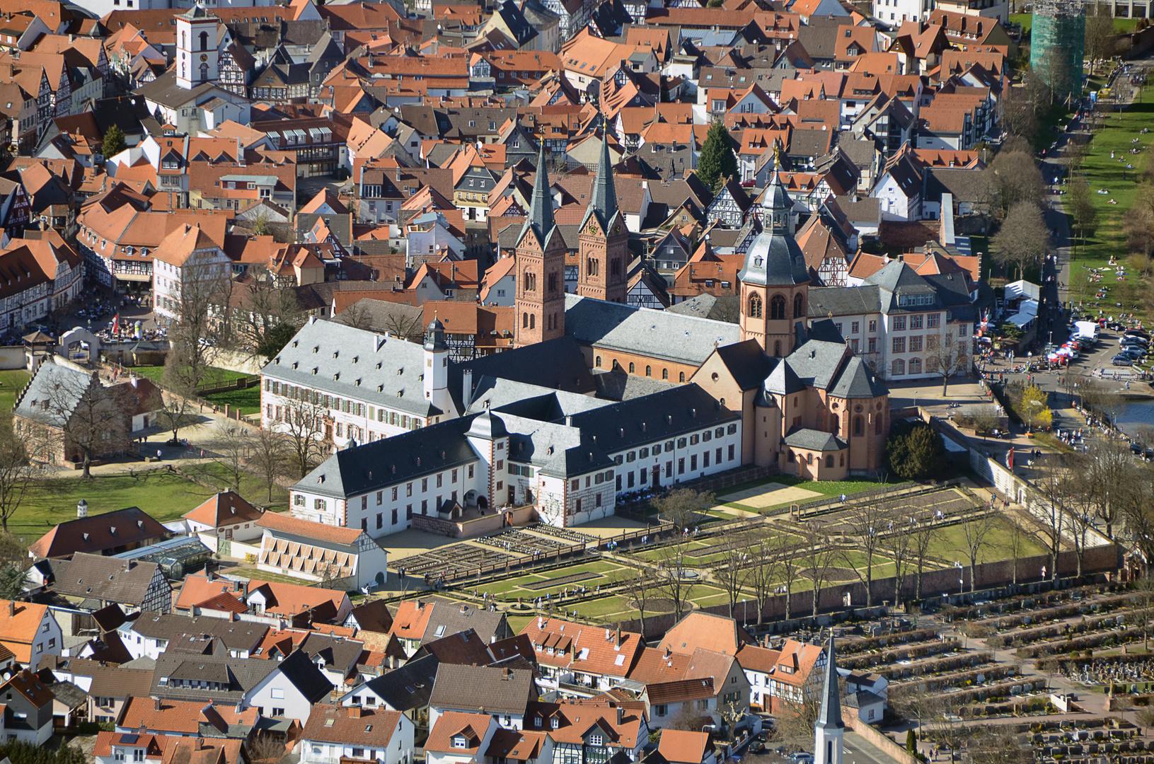 Seligenstadt, Einhardbasilika und Klostergarten