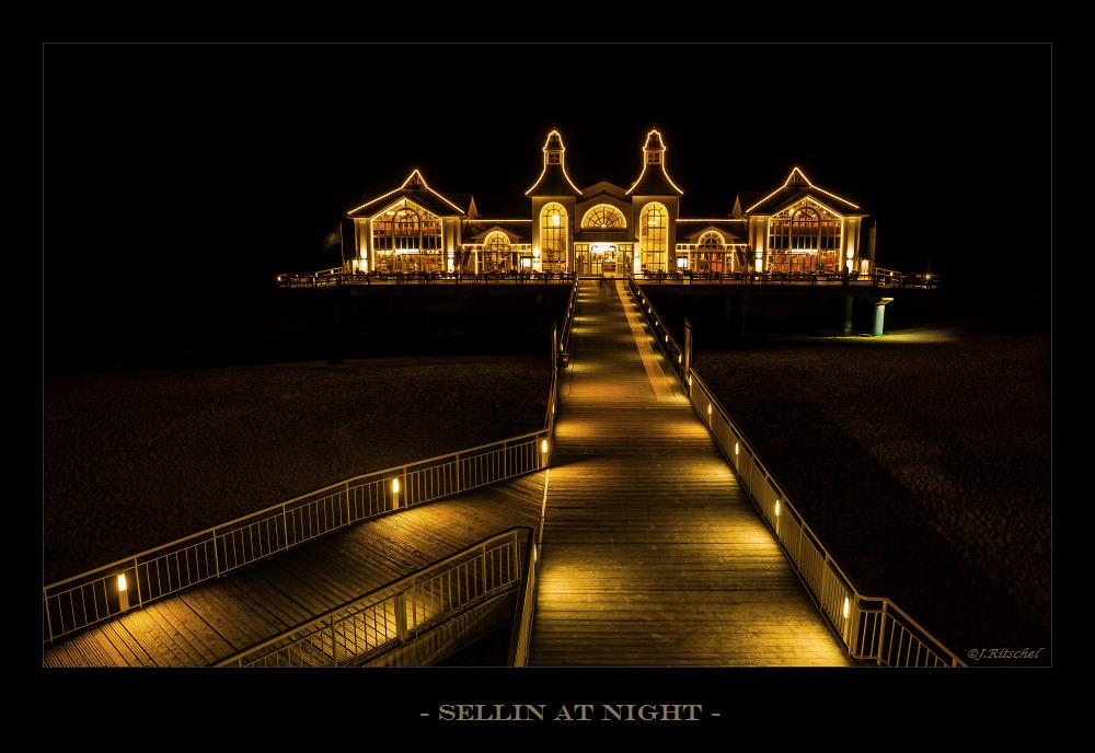 Sellin at Night