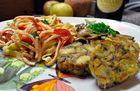 Semmelknödel mit Wurstsalat und Waldpilzen