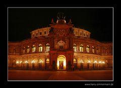 Semper Oper (entzerrt)