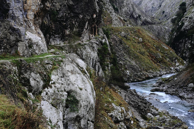 Sendero en los Picos de Europa