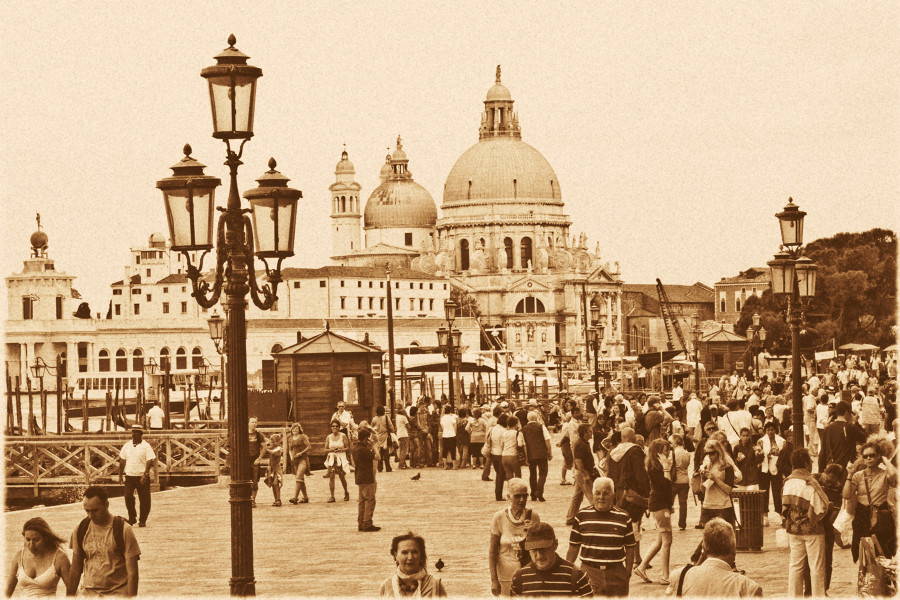 ... Sepia Venezia