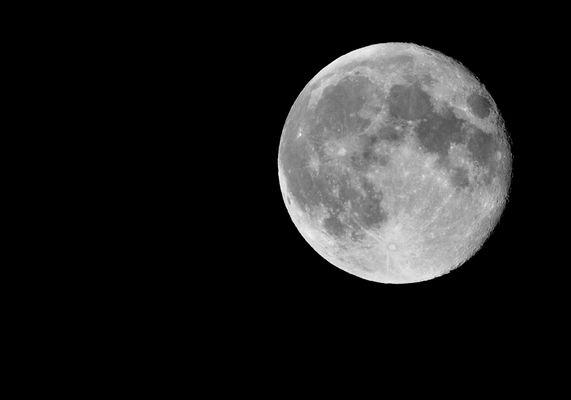September-Mond