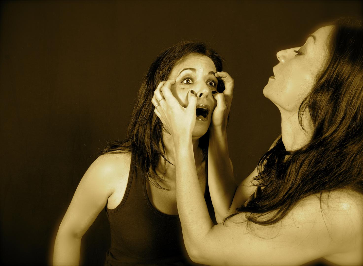 SERIE: Ira,Envidia, soberbia y otras virtudes femeninas....