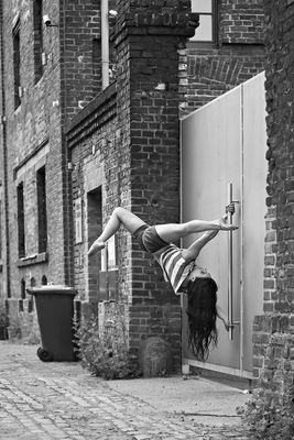 Serie: Tanzendes Köln, Marina Yakubova, Pole Dance.