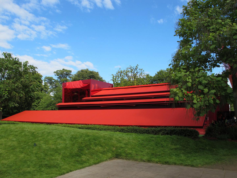 Serpentine Gallery Pavilion 2010.Designed by Jean Nouvel