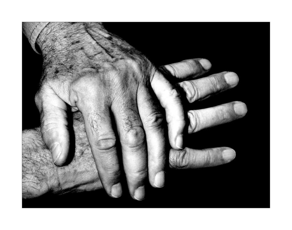 .served hands.