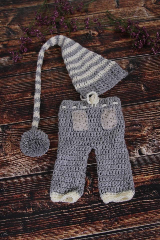 Set aus Zipfelmütze und Hose