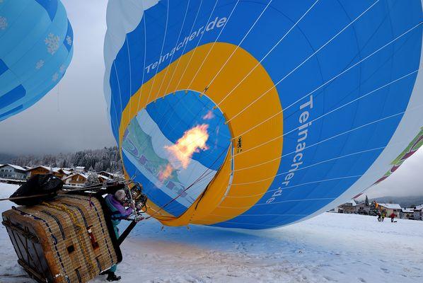 Setze meine Serie fort. Schon beeindruckend wenn sich der Ballon aufstellt, konnte leider...