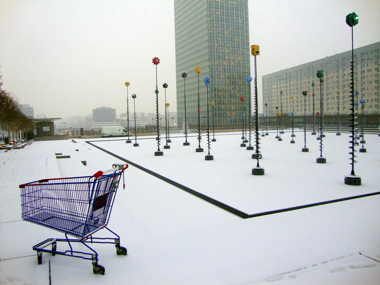 Seul, abandonné et dans le froid