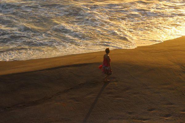 seul sur le sable
