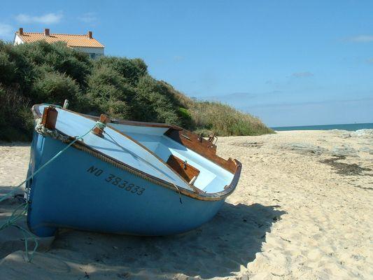 Seule sur cette plage.....