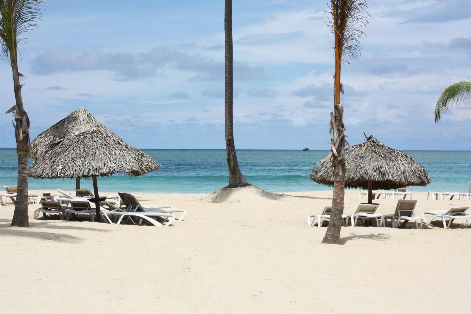 Seule sur le sable,..