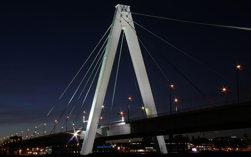 Severinsbrücke als DRI