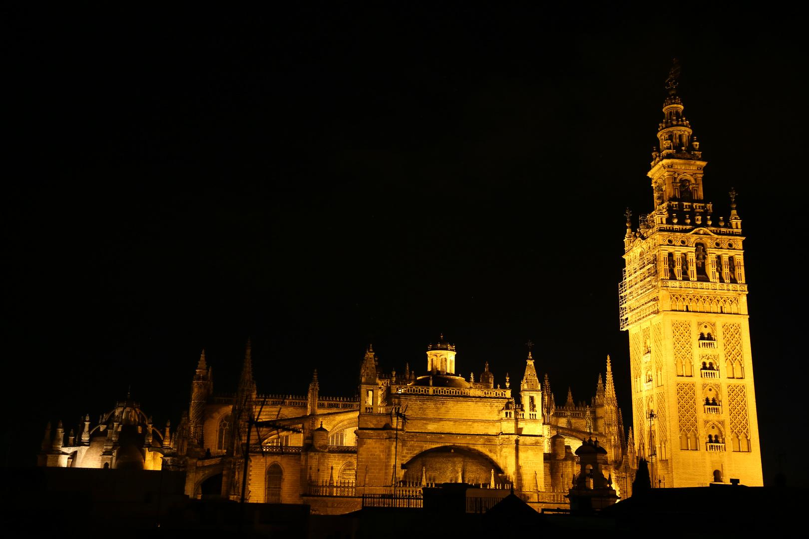 Sevilla Kathedrale bei Nacht