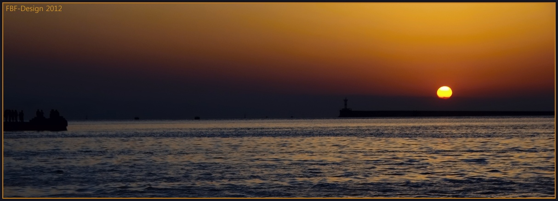 Sewastopol - Hafenausfahrt im Sonnenuntergang
